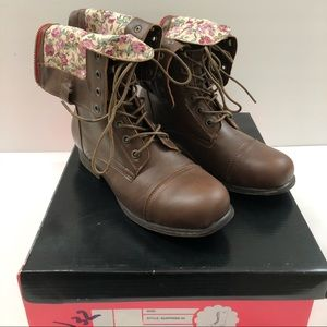 Charlotte Russe boots fold over shaft size 8